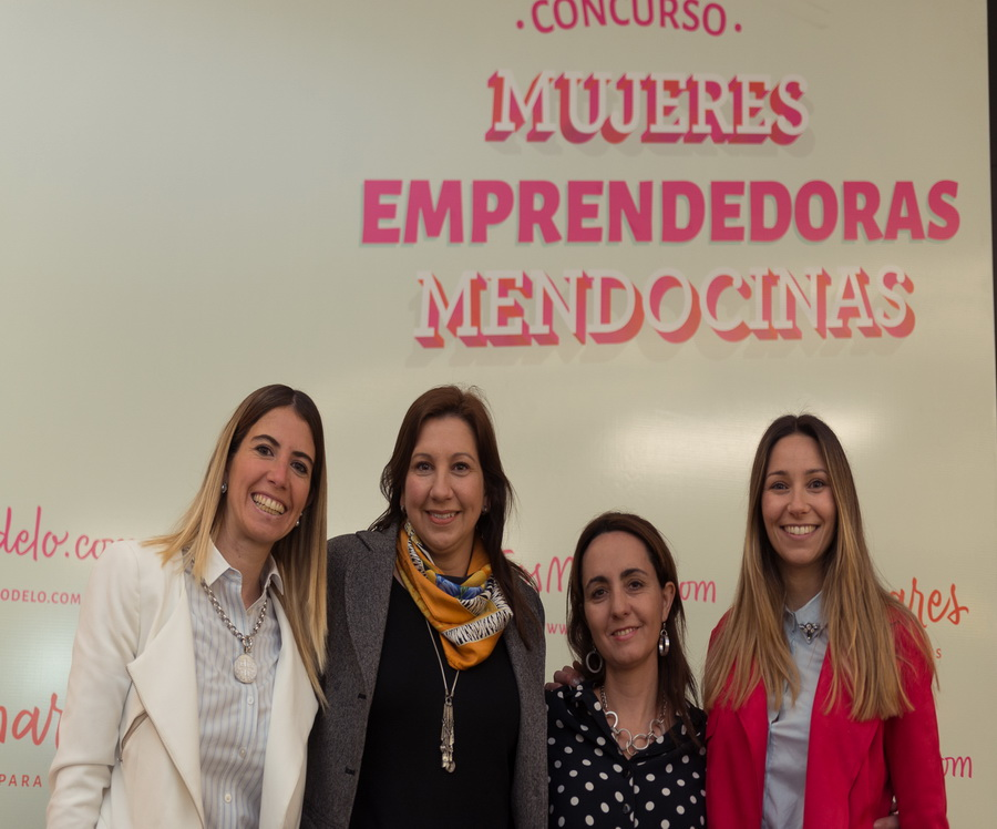 Laura Mampel, María Sance, Andrea Nallim, integrantes del jurado, y Rosario Ariño, responsable de Marketing de Palmares